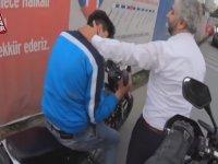 Otobüs Şoförünün Kendisine Çarpan Gence Şefkati