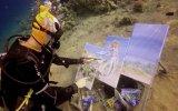 Su Altında Çarpıcı Resimler Yapan Sanatçı