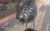 Yedek Parçadan Flamingo Yapan Heykel Sanatçısı