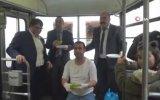 Tramvayda Çiğköfte Partisi Düzenlemek