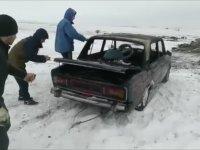 Hacı Murat'la Buz Tutmuş Göle Atlamak