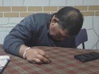 Oturduğu Yerde Uyuyan Dayı