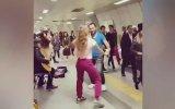İstanbul Metrosunda Dans Ederek Hayatı Güzelleştirmek