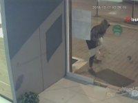 Camı Kıramayan Hırsız