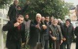 Portakal Yiyerek Fatih Portakal'ı Protesto Eden Vatandaşlar