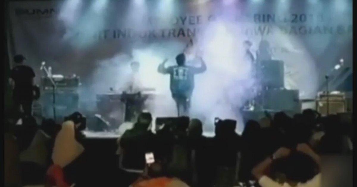 Konser Sırasında Tsunami Dalgası