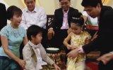 Sapkın Ailenin 6 Yaşındaki İkiz Çocuklarını Evlendirmesi