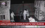 Hacivat Karagöz Heykeli ile Selamlaşan Sarhoşlar