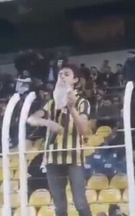Büyü Yapan Fenerbahçe Taraftarı