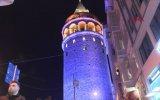 Mavi Turuncu Işık ile Aydınlatılan İstanbul Simgeleri
