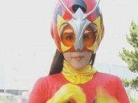 Çok Güzel Dövüşen Japon Süper Kahraman