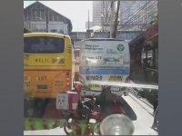 Trafikte Taş Kağıt Makas Oynayan Motosikletliler