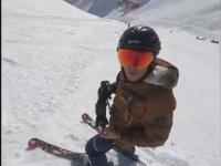 İsviçre'de Kayakçıların Çığdan Kaçma Anı