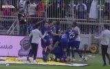 Bafetimbi Gomis'in Gol Sevincinde Korkan Top Toplayıcı Çocuk