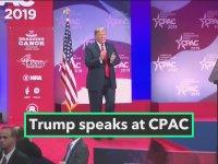 Trump'ın Amerika Birleşik Devletleri Bayrağıyla Romantik Anları