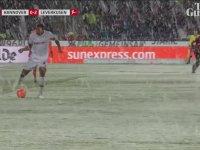 Leverkusen'in Golüne Engel Olan Kar