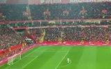 Türkiye  Moldova Maçında Taraftarlardan Çanakkale Türküsü