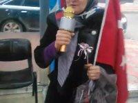 Karaoke Mikrofonla Seçim Çalışması Yürüten Belediye Başkan Adayı - Zeynep Çiçek
