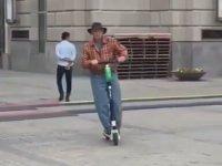 Elektrikli Scooter Senin Neyine Amca