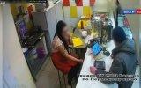 Kafe Çalışanı Kızın Üzerine Kaynar Su Döken Şerefsiz