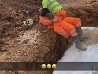 Şakalaşırken Kamasutrayı Yaşayan İşçiler