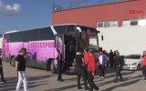 Küme Düşen Takımın Futbolcularını Takım Otobüsüne Bindirmemek