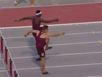 Engelli Koşuyu Uçarak Kazanan Atlet