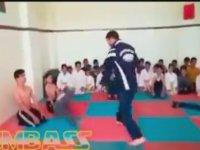 Çocuklara Saran Dövüş Hocası