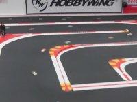 Deli Gibi Ekrana Kilitleyen Araba Yarışı