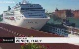 Venedik'te Yolcu Gemisi Kazası