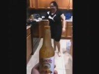 Anne Terliği ile Bottle Cap Challenge Akımına Noktayı Koymak