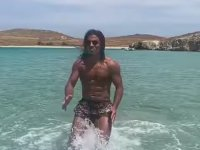 Nusret'in Denizde Spor Yapması