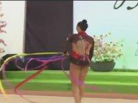 Ritmik Jimnastik Yapan Kadının Kurdele Talihsizliği
