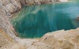 İnstagram Fenomenlerinin Yüzdüğü Zehirli Göl
