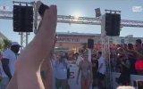 İtalya Milli Marşı Eşliğinde Plaj Dansı