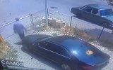 Otoparktan Bariyeri Kırarak Çıkan Sürücü