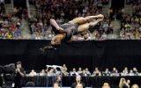 Fizik Kurallarını Alt Üst Eden Jimnastikçi