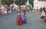 Oynarken Sütyeni Açılan Dansöz