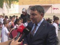 Makam Aracını Satıp Öğrencilere Kırtasiye Yardımı Yapan Belediye Başkanı