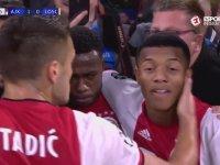 Ajax'lı Futbolcuların Tokatlı Öpücüklü Gol Sevinci