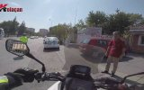 Motorcuyu Sıkıştıran Dayı