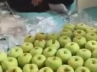 Çocuğu Olmayanlara Okunmuş Elma Satmak