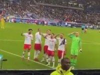 Gol Sonrası Millilerimizden Asker Selamı (Fransa 1-1 Türkiye)