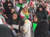 İlk Kez Maça Giren İranlı Kadınların Stattan Kovulması