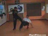 Aşırı Gerçekçi Kungfu Öğretici Videosu