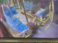 Kadın Vatmanın Mesajlaşırken Kaza Yapması
