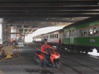 Sabırsız Motosikletlinin Bariyere Toslaması