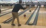 Bowling Atışında Zirve Yapan İkili