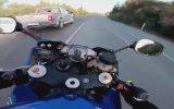 Deli Gibi Motosiklet Süren Eleman
