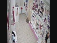 Sex Shop'tan Dildo Çalan Genç